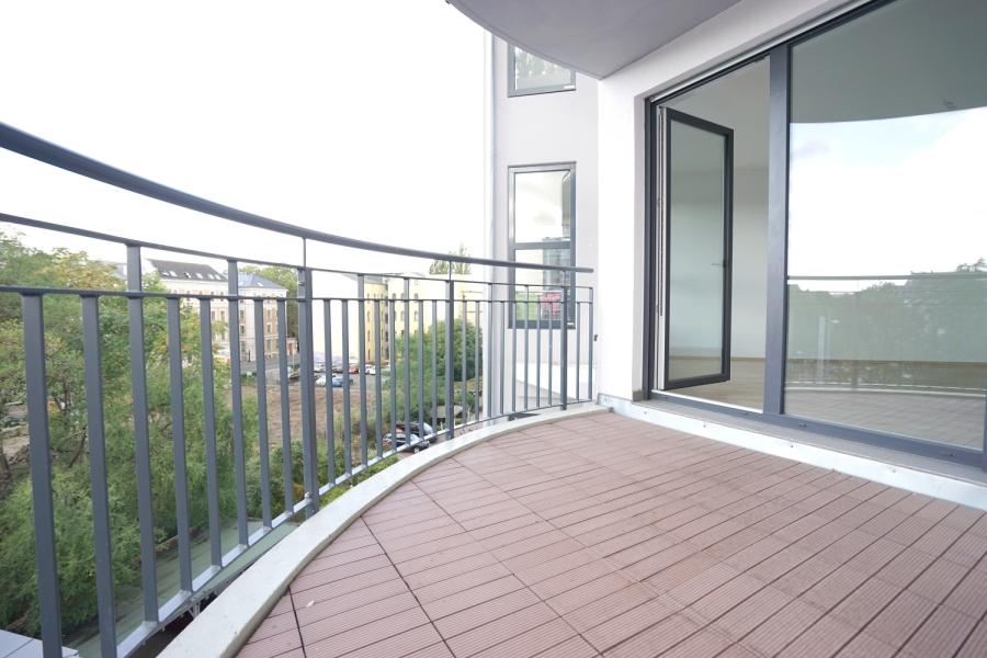 Balkon 1 (Wohnzimmer)